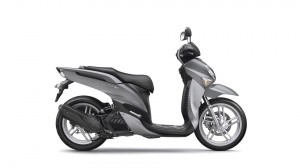 2017-Yamaha-Xenter-125-EU-Silky-Grey-Studio-002